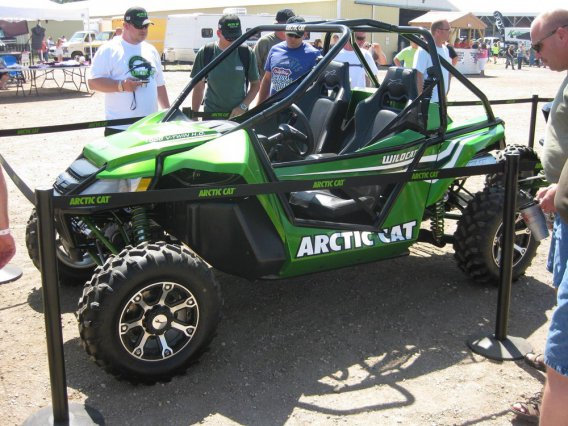 Novinka 2012 Side-by-Side ArcticCat WildCat